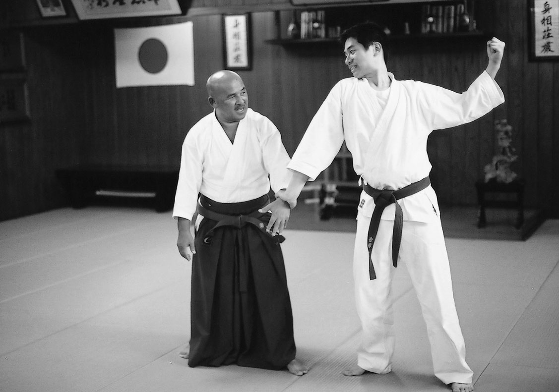 The Secret of HAKKORYU JUJUTSU [Chapter 3 Do not resist, then you can realize the techniques]