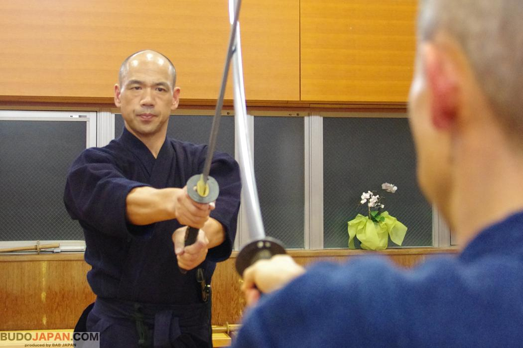"Ono-ha Itto-ryu's ""kiriotoshi"": An ""invincible"" technique, born in the battlefield"