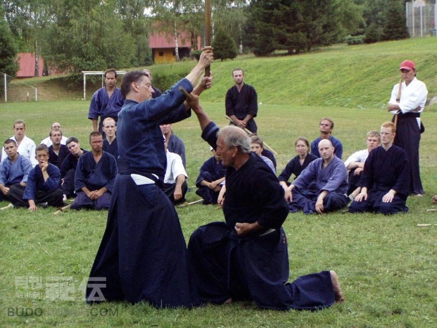[Monthly column] Worldwide Koryu Dojo Report  Vol.13 Shinto Muso-ryu Jo in Geneva, Switzerland